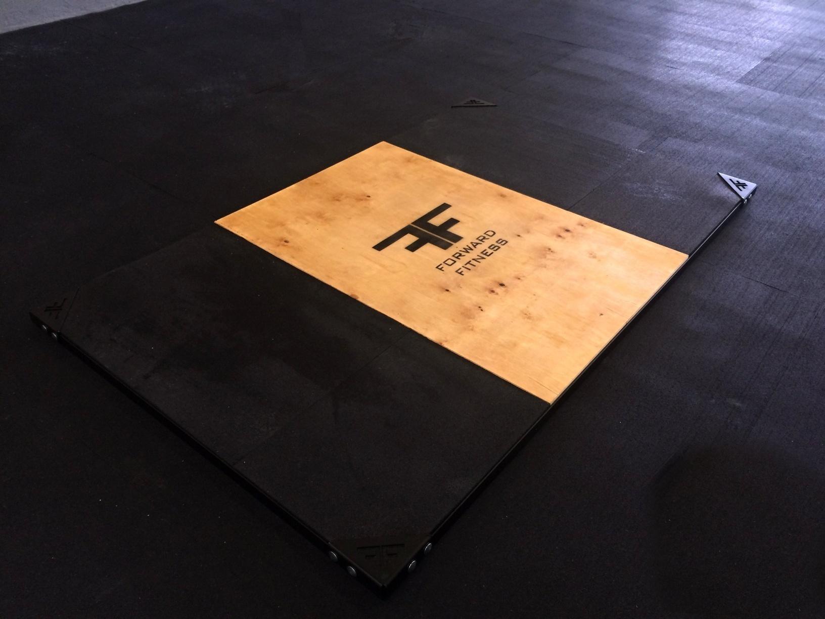 Vzpěračské pódium 150 x 250 s háky